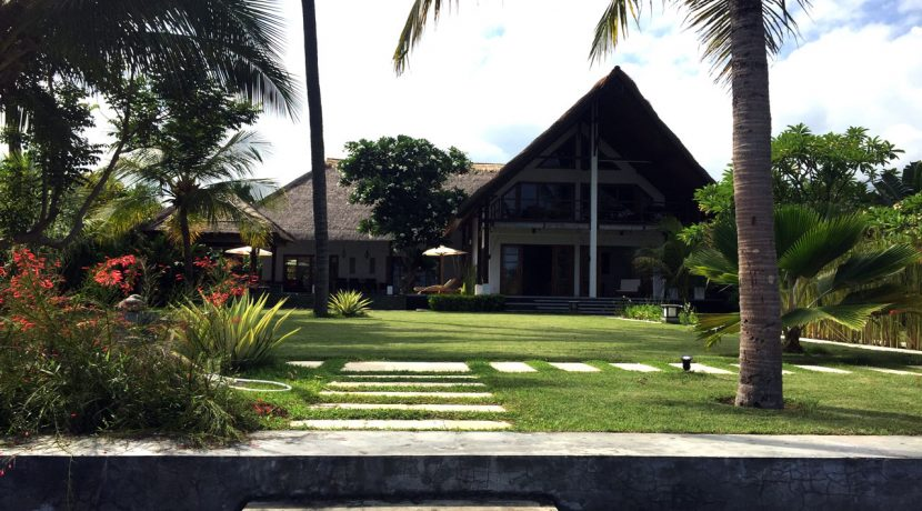 bali-seafront-villa-for-sale-house