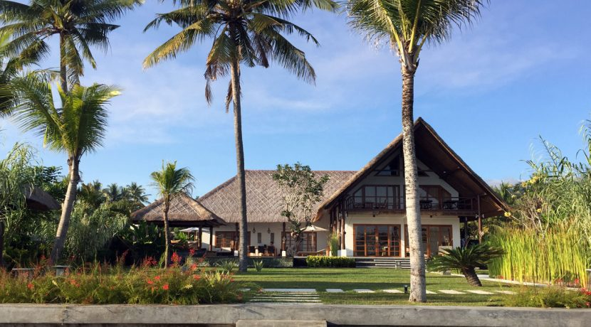 bali-seafront-villa-for-sale-house-view