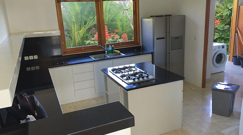 bali-seafront-villa-for-sale-kitchen