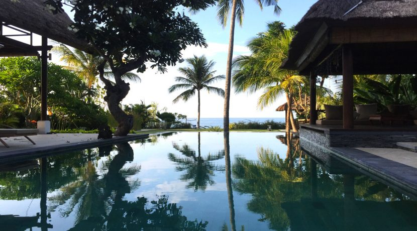 bali-seafront-villa-for-sale-pool-view