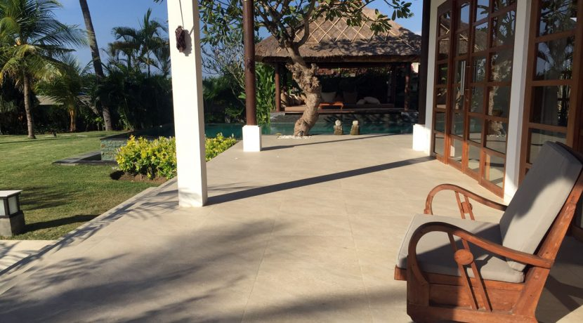 bali-seafront-villa-for-sale-terrace