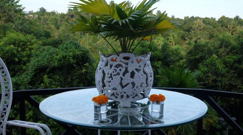 lovina-hillside-villa-for-sale-decoration-1