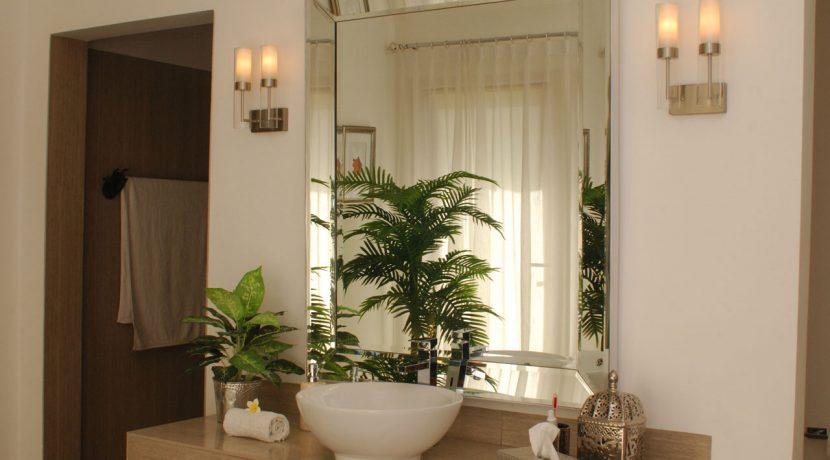 lovina-hillside-villa-for-sale-indoor-decoration-17