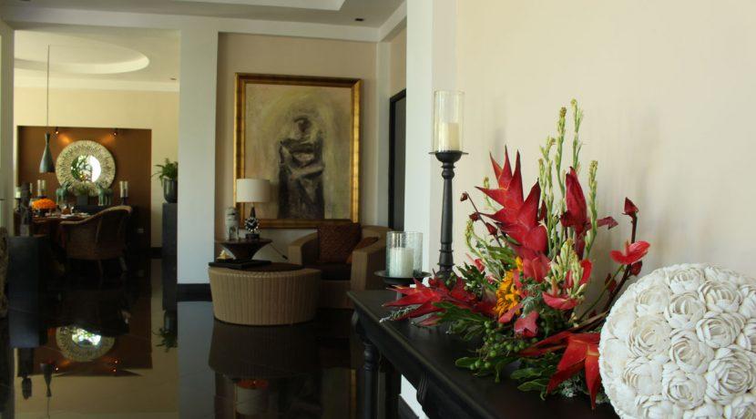 lovina-hillside-villa-for-sale-indoor-decoration-6
