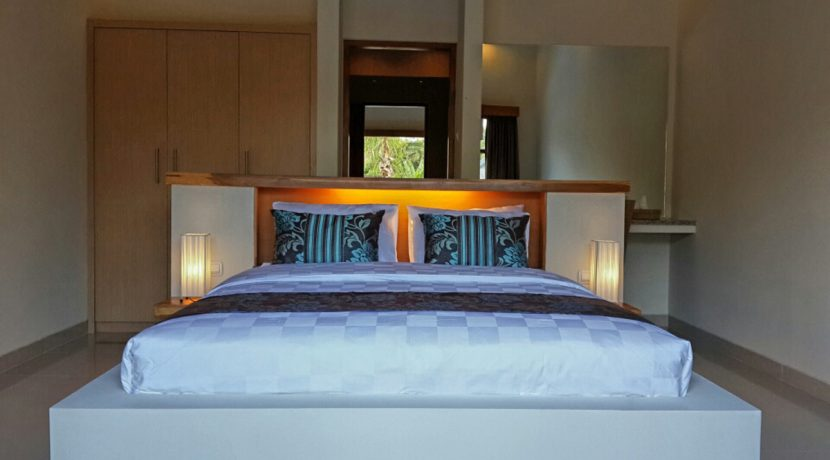 bali-villa-for-sale-leasehold-master-bedroom