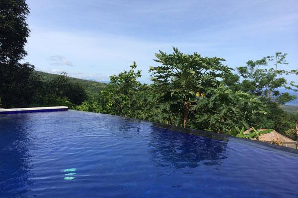 pool-&-view