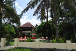 north-bali-beachfront-villa-for-sale-beach-access-gate