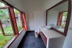 north-bali-beachfront-villa-for-sale-guest-bathroom-1stfloor