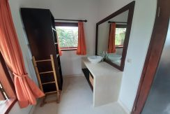north-bali-beachfront-villa-for-sale-guest-bathroom