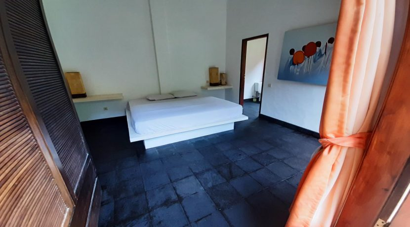 north-bali-beachfront-villa-for-sale-guest-bedroom-1stfloor