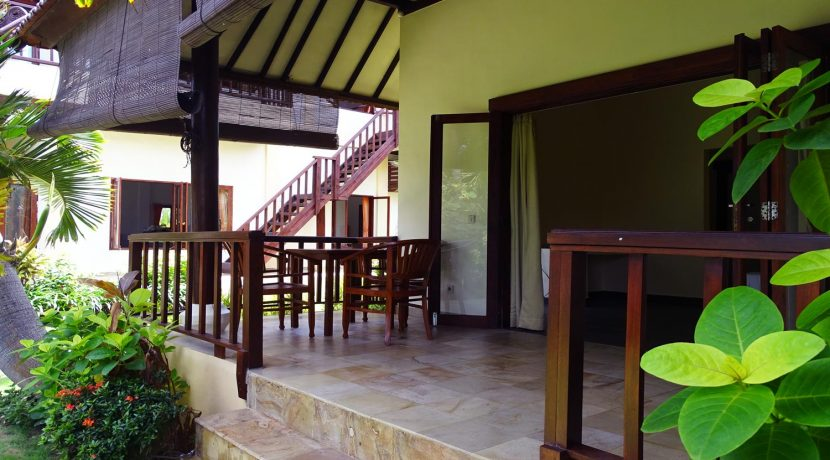 north-bali-beachfront-villa-for-sale-guesthouse-balcony