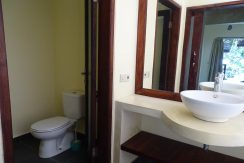 north-bali-beachfront-villa-for-sale-guesthouse-bathroom