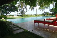 north-bali-beachfront-villa-for-sale-pool-sun-chair