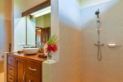 bali-villa-for-sale-bath-shower
