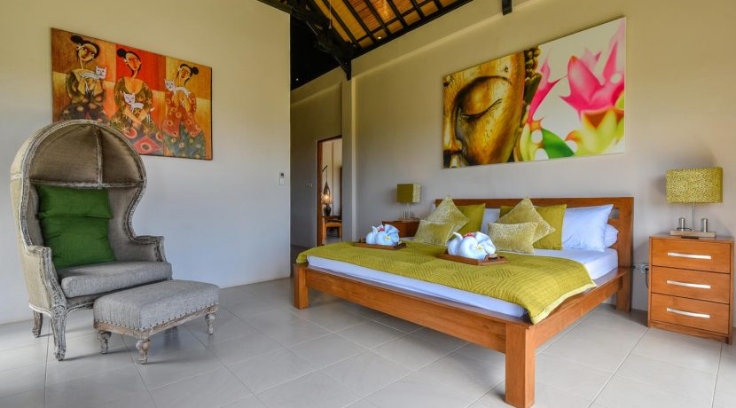 bali-villa-for-sale-master-bedroom
