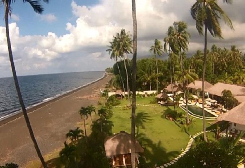 Bali ocean front villa for sale – North Bali, 5 bedrooms