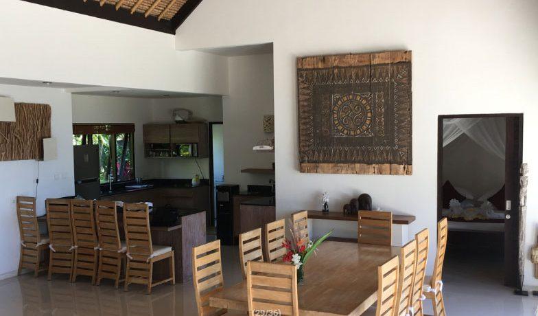 bali-beach-villa-for-sale-dining