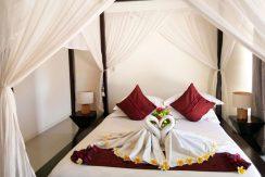 bali-beachfront-villa-for-sale-bedroom