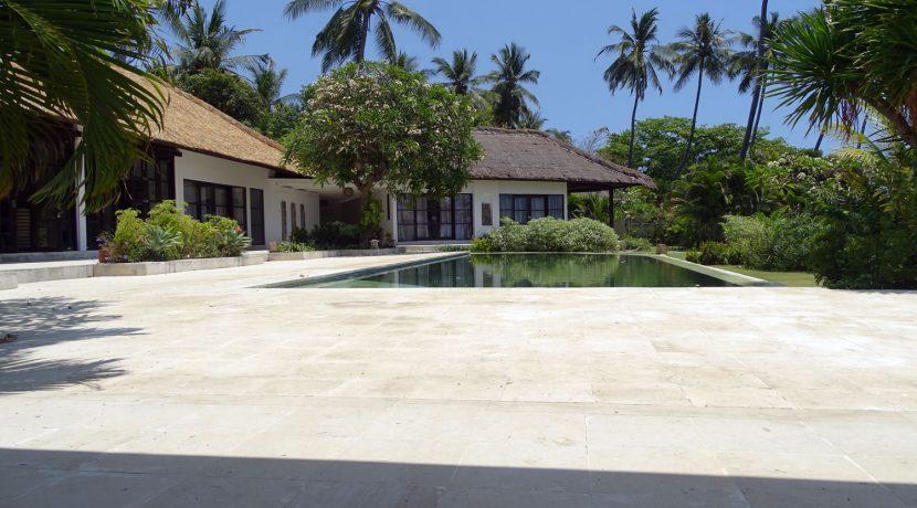 north-balioceanfront-villa-garden-pool-terrace