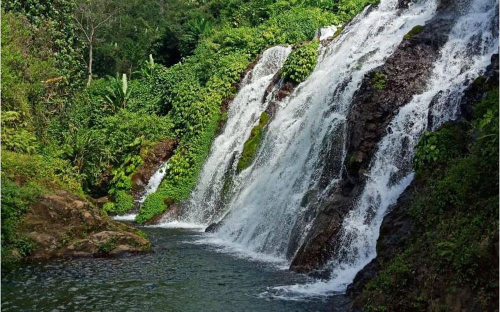 Bali land with sea view – North Bali hillside land close to waterfall