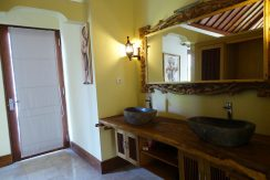 bali-oceanfront-hotel-resort-for-sale-bath