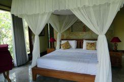 bali-oceanfront-hotel-resort-for-sale-bed