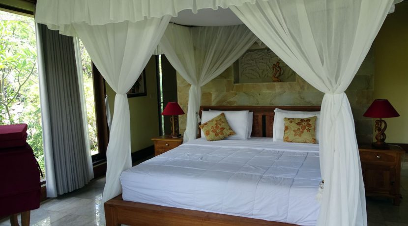 bali-oceanfront-hotel-resort-for-sale-bed