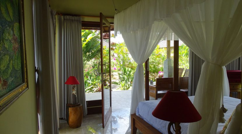bali-oceanfront-hotel-resort-for-sale-bedroom