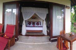 bali-oceanfront-hotel-resort-for-sale-bedroom2