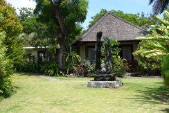 bali-oceanfront-hotel-resort-for-sale-bungalow-art
