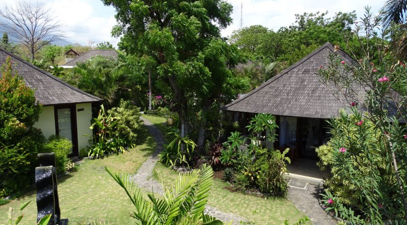 bali-oceanfront-hotel-resort-for-sale-bungalows