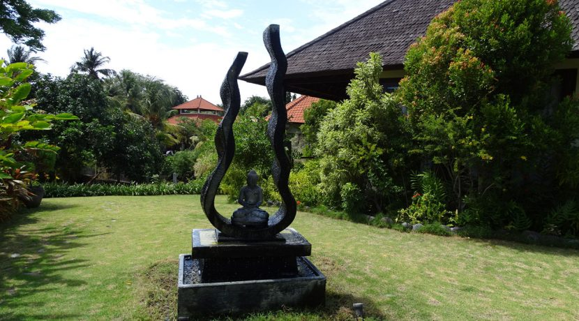 bali-oceanfront-hotel-resort-for-sale-garden-art