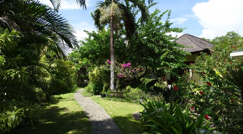 bali-oceanfront-hotel-resort-for-sale-garden-way