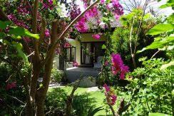 bali-oceanfront-hotel-resort-for-sale-guest-house