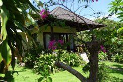 bali-oceanfront-hotel-resort-for-sale-guest-villa