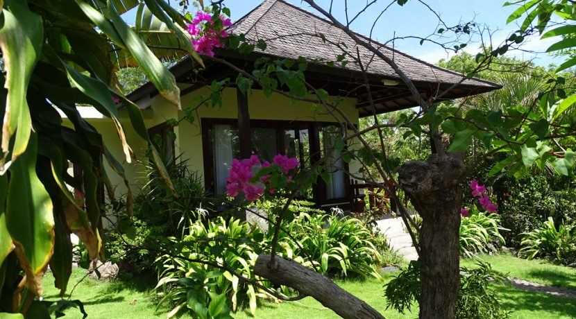 bali-oceanfront-hotel-resort-for-sale-guest-villa
