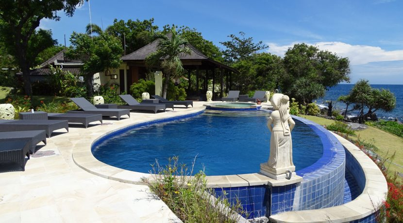 bali-oceanfront-hotel-resort-for-sale-pool