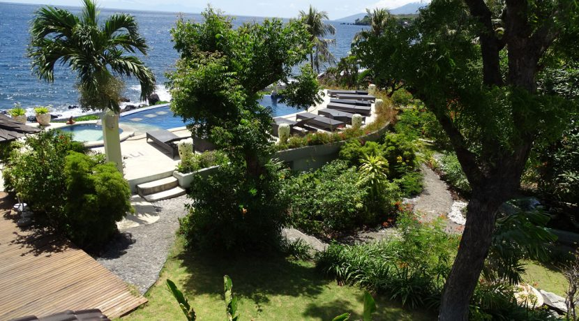bali-oceanfront-hotel-resort-for-sale-pool-garden
