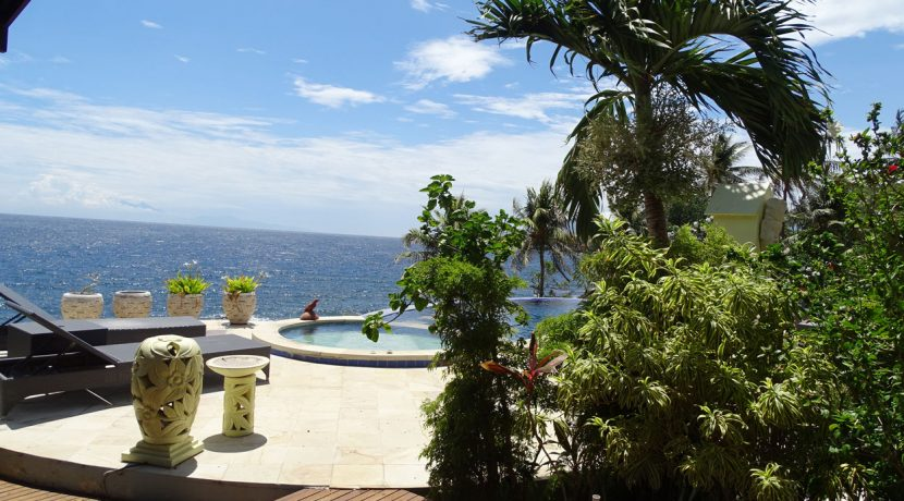bali-oceanfront-hotel-resort-for-sale-sea-pool
