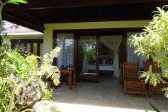 bali-oceanfront-hotel-resort-for-sale-villa-terrace-chair
