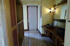 bali-oceanfront-hotel-resort-for-sale-walk-in-closet