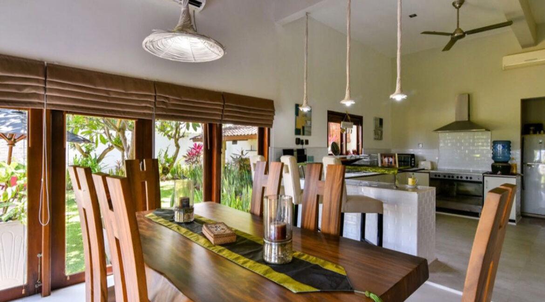bali-lovina-sea-view-villa-dining