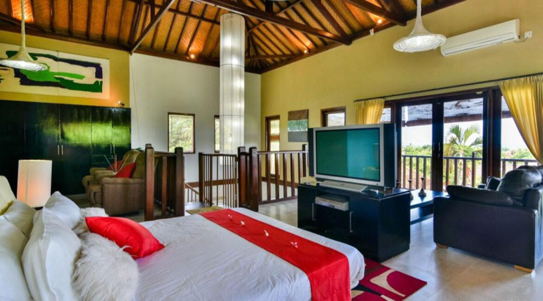 bali-lovina-sea-view-villa-master-bedroom