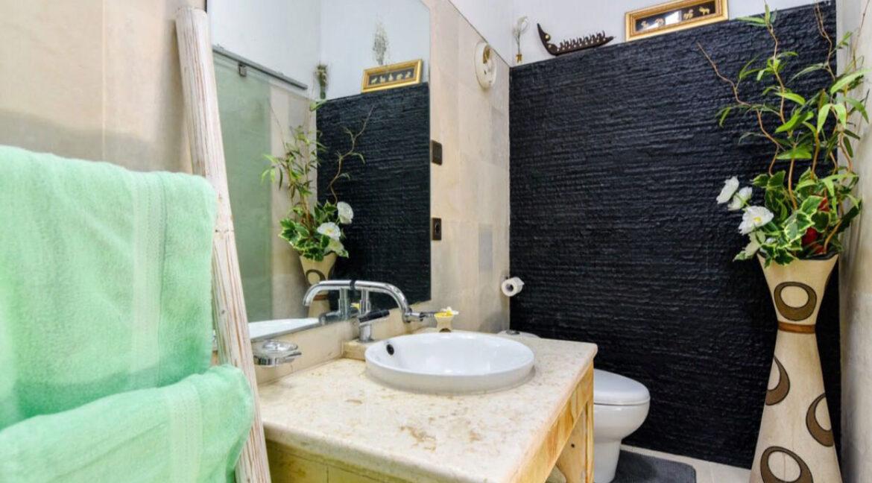 bali-lovina-sea-view-villa-toilet