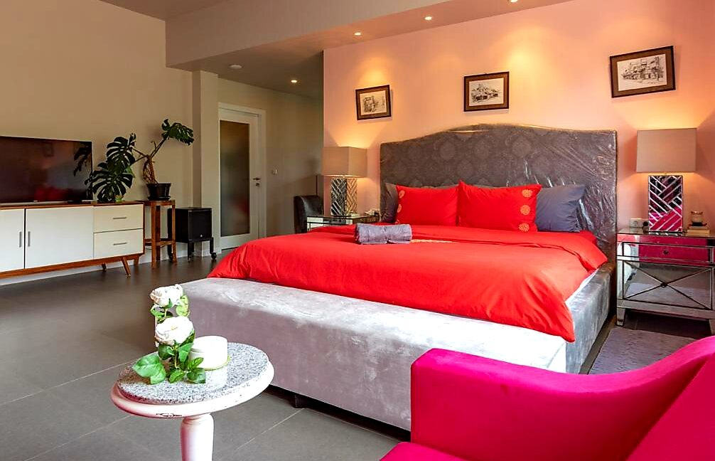 lovina-villa-sale-bed2