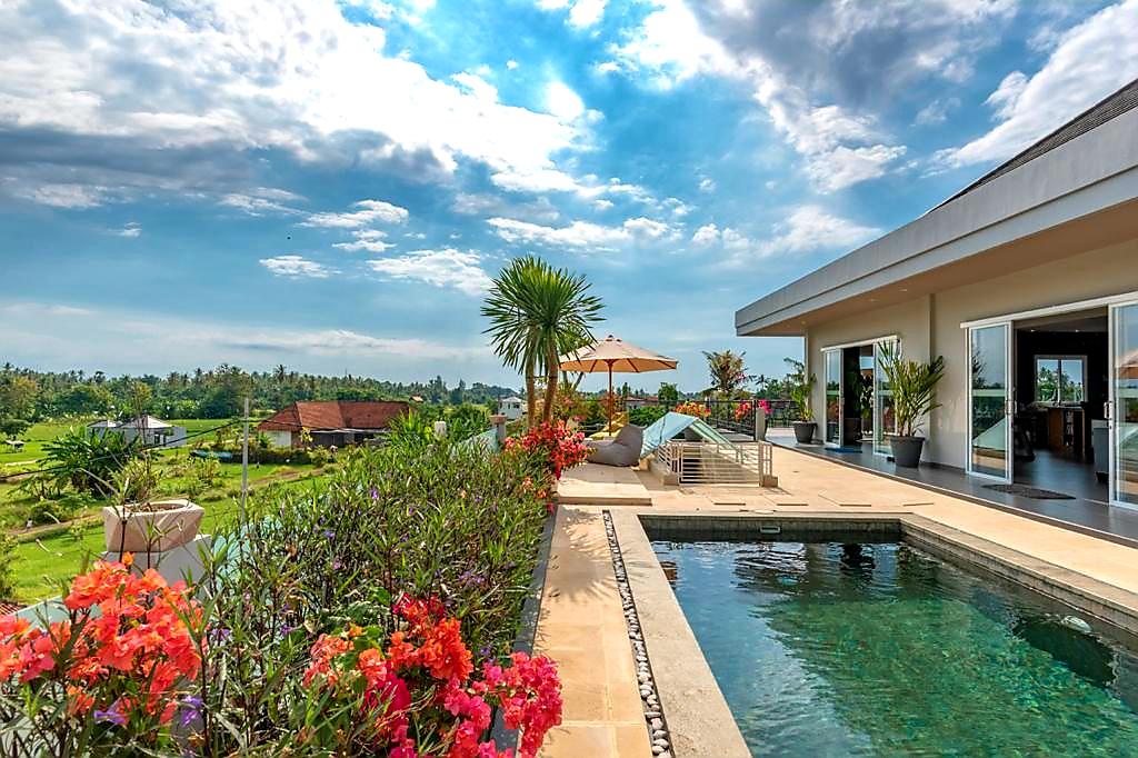 Bali Lovina Sea View Villa – hillside with private pool