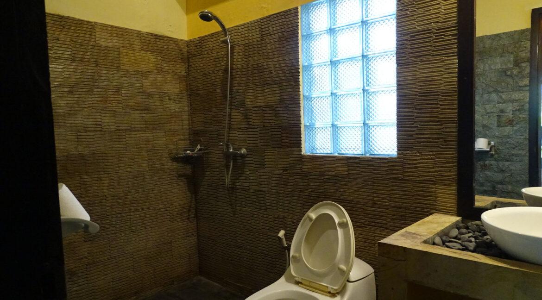 north-bali-lovina-house-sale-shower