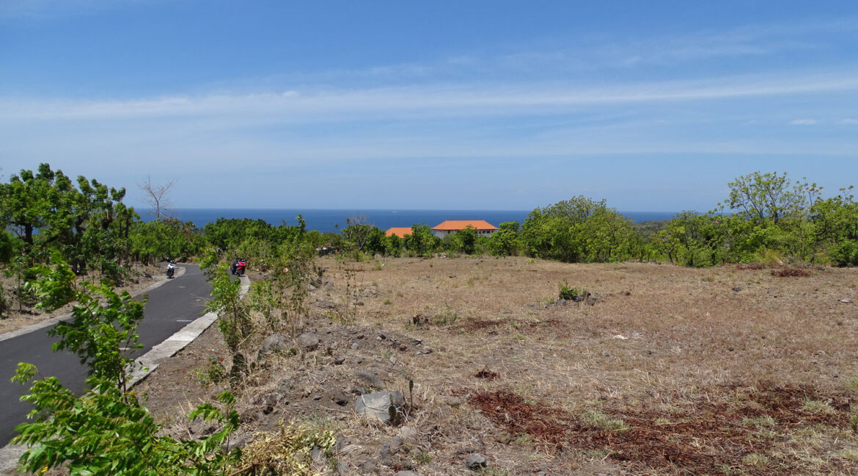 bali-tulamben-sea-view-land-1