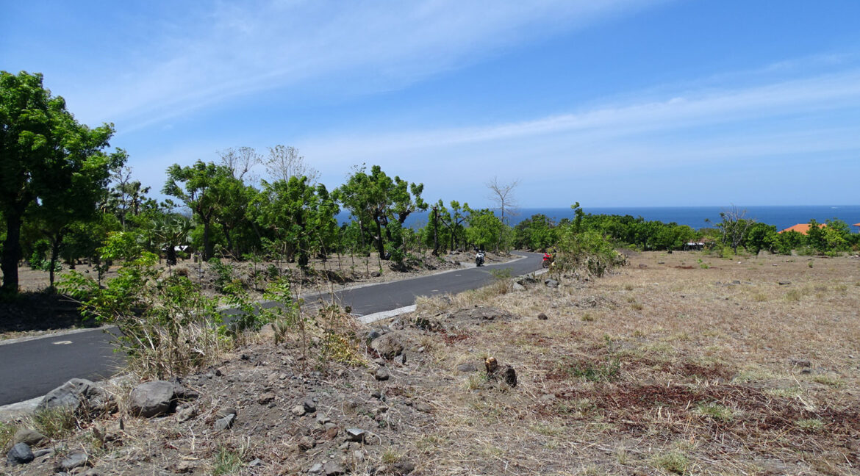 bali-tulamben-sea-view-land-2