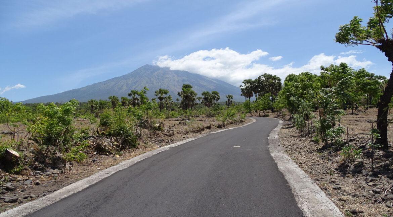bali-tulamben-sea-view-land-access-road